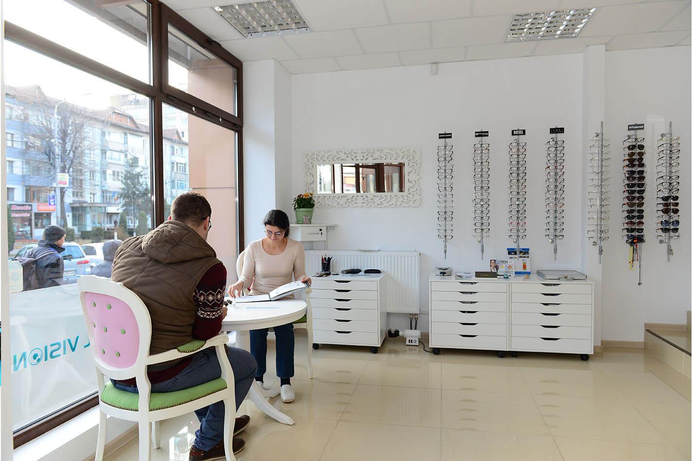 optica medicala cristal vision piatra neamt (4)